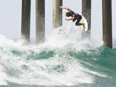 Simpson makes it  a double at the US Open of Surfing 2010