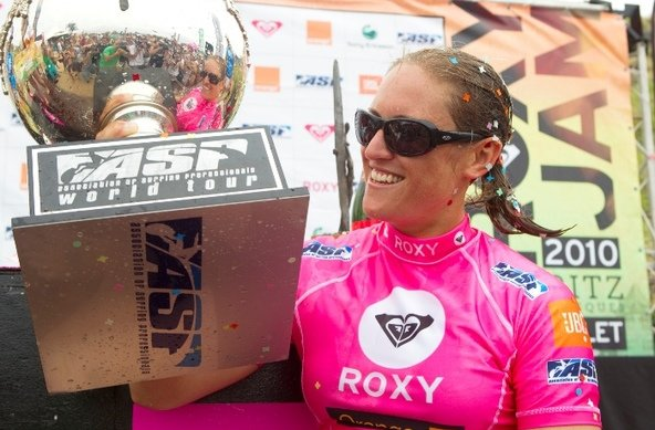ASP/Aquashot | Cori Schumacher Wins the 2010  ASP  World Longboard Title