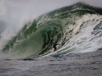 © Bonnarme/Aquashot.fr | Ireland's first Big Wave Invitational surf contest demonstrating tow-in surfing