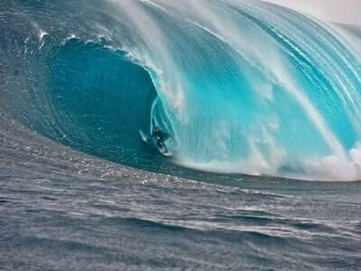 © O'Neill   Surfer Mark Mathews