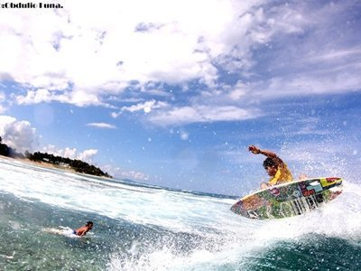 surfing in the caribbean, cabarete, playa encunentro