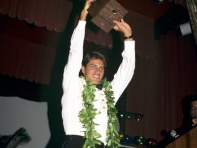 Credit:© Joli Quiksilver   Kelly Slater 1992 zum ersten mal Weltmeister im Wellenreiten   Siegerehrung
