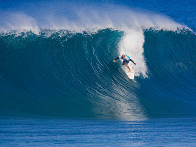 Credit: © ASP/ CI/ SCHOLTZ | Kelly Slater drop into the pipe