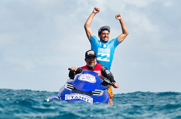 Image: WSL / Kelly Cestari | Jeremy Flores gewinnt den Billabong Pro Tahiti 2015