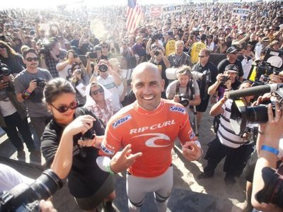 photographer sherman/quiksilver | Kelly Slater wins 11th ASP World Title