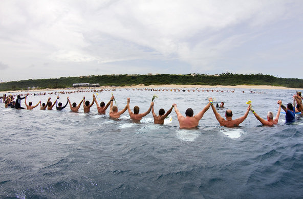 Credit:© ASP / CESTARI | A paddle out memorial service for Andy Irons was held on-site in Porta Del Sol, attended by the world's best surfers and hundreds of admirers.