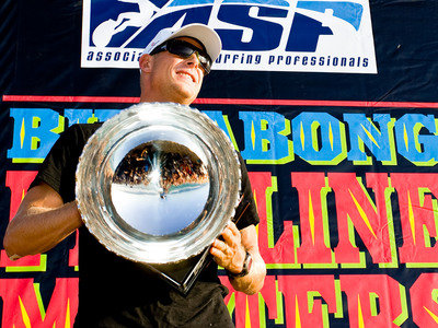 ASP/CI via Getty Images | Fanning und Schale bei der Siegerehrung 2009 auf Hawaii