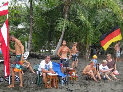 Billabong ISA World Surfing Games | Deutschland vs. Österreich Surfcontest