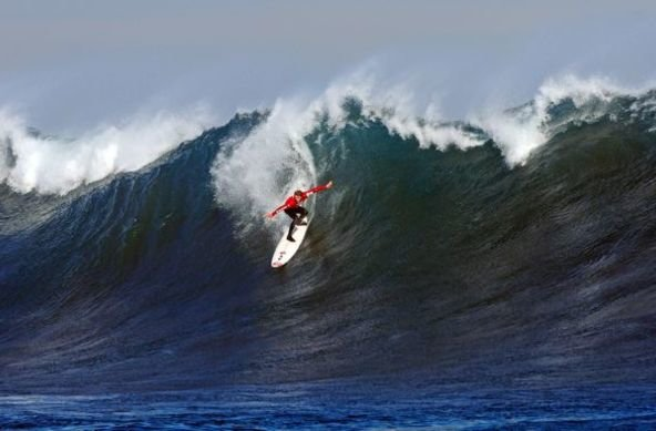 Photo: Courtesy Quiksilver | Pichilemu's own Cristian Merello on the way to a win.