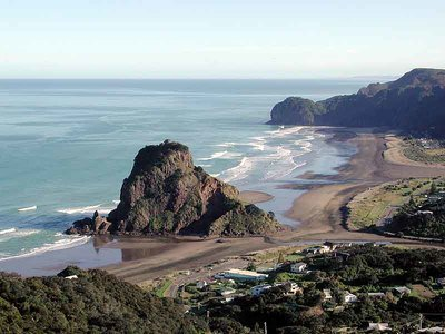 Piha | surf spot | New Zealand