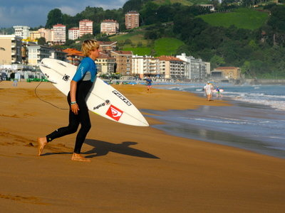 Credit: ©  Rabejac | Quiksilver King of the Groms 2010 in Zarautz | Natxo Gonzales