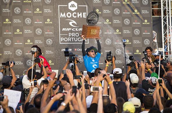 ASP / Poullenot / AQUASHOT | Mick Fanning gewinnt den Rip Curl Pro Portugal