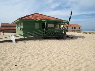Das Clubhaus des St. Girons Surfclubs | Direkt an der Promenade