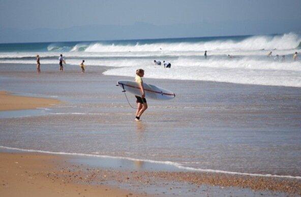 Wellenreiten lernen an der französischen Atlantikküste