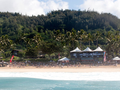 ASP/CI via Getty Images | Billabong Pipe Masters in Hawaii 2009