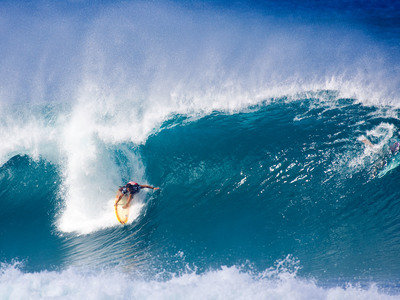 Credit: © ASP Scholtz | Billabong Pipeline 2009