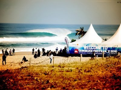 Credit: © testemale | Mick Fanning wins  Quiksilver Pro 2010