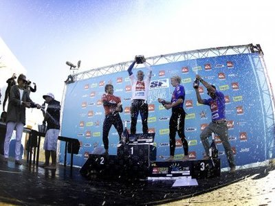 copyright Bravo | Kelly Slater Claims Quiksilver Pro France 2012