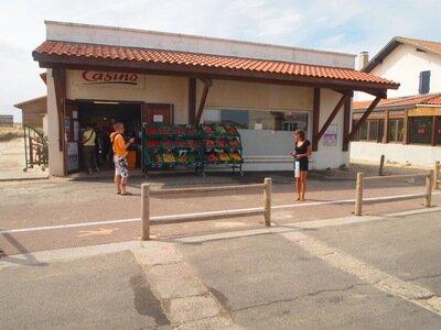Casino Supermarkt an der Strandpromenade von St.Girons Plage
