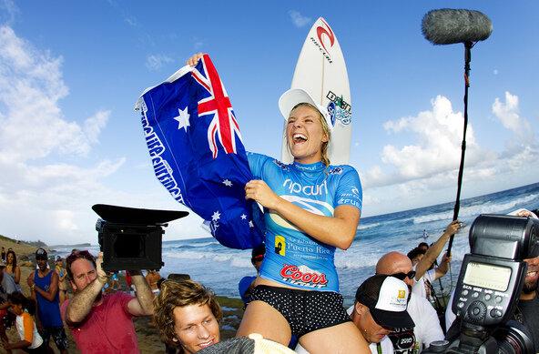 Credit:© ASP / SCHOLTZ | Stephanie Gilmore zum vierten mal Weltmeister im Wellenreiten