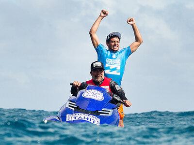 Image: WSL / Kelly Cestari | Jeremy Flores wins Billabong Pro Tahiti 2015