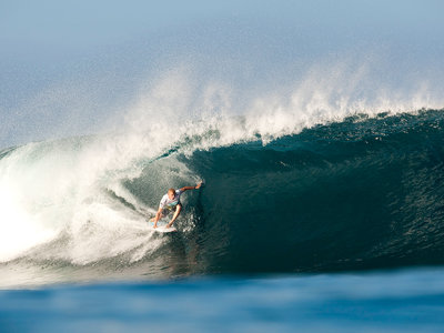 ASP/CI via Getty Images | Der Weltmeister 2009 Mick Fanning in Action | Billabong Pipeline Masters 2009