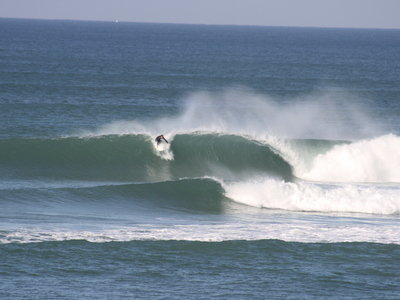 Praia da Areia Branca waves