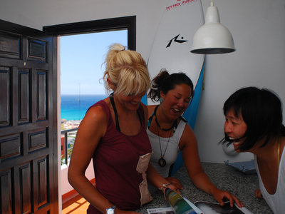 Otro Modo Surf School & Camp Fuerteventura | room of the Casa Alberto with sea view