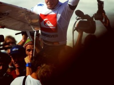 Credit: © chauche | Mick Fanning wins  Quiksilver Pro 2010