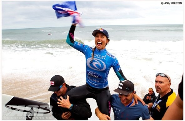 Credit: © ASP / SCHOLTZ | Sally Fitzgibbons Claims Rip Curl Women's Pro Bells Beach