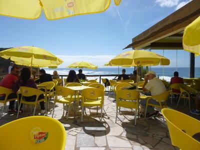 Surf Spot São Julião | Cafe mit Blick auf den Spot