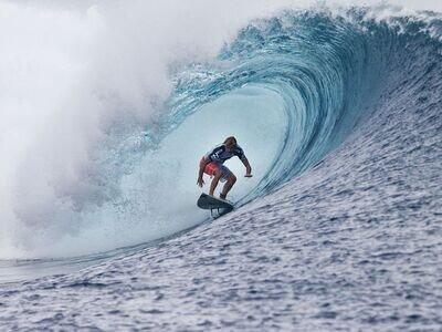 © ASP: Kirstin | Adrian Buchan gewinnt den Billabong Pro Tahiti 2013