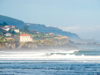 Photographer Lars Jacobsen | Surfing North East Spain