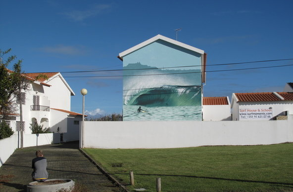 Surfmoments House & School in Peniche