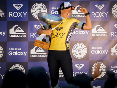 Image: © WSL /  Poullenot | Keanu Asing & Carissa Moore Win Quiksilver & Roxy Pro France