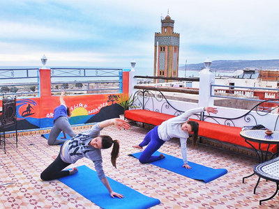 Surf yoga camp