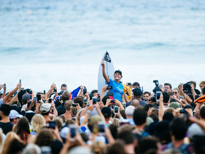 Credit: © WSL / Sloane |  6X WSL Champion Stephanie Gilmore (AUS) celebrates her first CT win since 2014