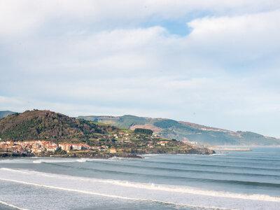 Die besten Surfspots in Europa zum Wellenreiten | Die Sandbänke an der Fussmündung machen Mundaka im spanischen Baskenland zu einer der besten Wellen der Welt