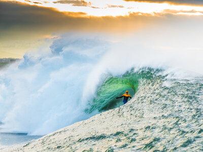 Photographer Lars Jacobsen | Die besten Surfspots in Europa zum Wellenreiten | Nic von Rupp surft Mullaghmore in Irland