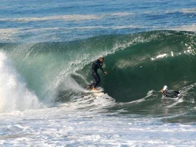 Die besten Surfspots in Europa zum Wellenreiten | La Gravière in Frankreich ist einer der besten Beachbreaks der Welt