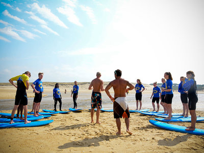 Progress surfcamp surf lesson certified instructor