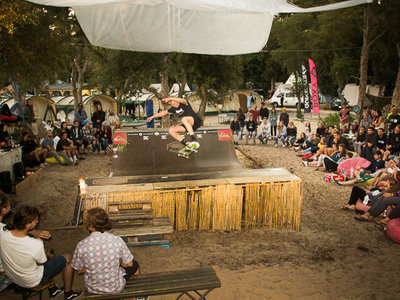 Progress Outdoor Surf Hostel  skate contest miniramp