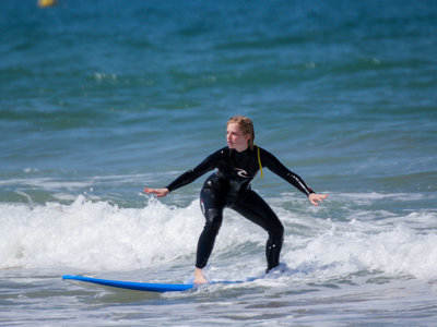 Pro Surf Lessons and School
