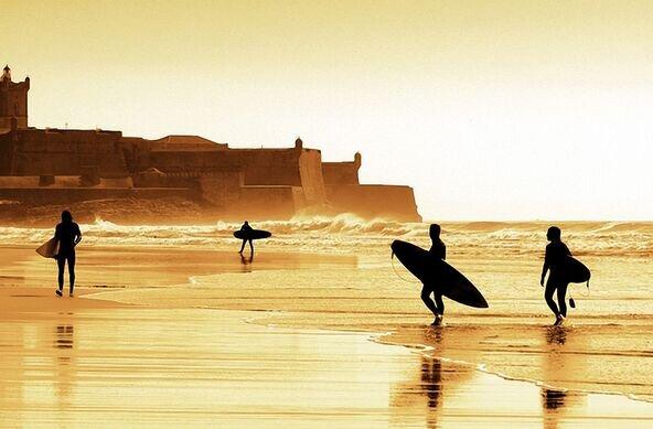 Salty Soul Surfcamp - Carcavelos, Cascais, Lisbon