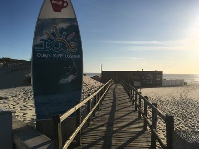 Wellenreiten im Norden von Portugal
