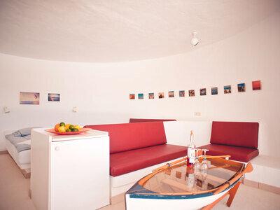 unique circular studio by the pool Agua