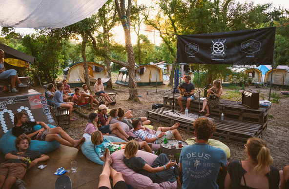 Live music, and chilling at Progress Outdoor Surf Hostel